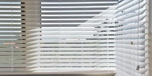 Kwikfynd Drop Arm Awnings Window Blinds Solutions